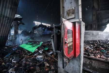 Chợ Quang tan hoang sau vụ cháy, tiểu thương khóc ròng vì trắng tay - Ảnh 2