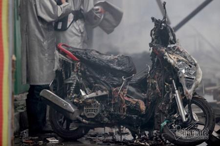 Chợ Quang tan hoang sau vụ cháy, tiểu thương khóc ròng vì trắng tay - Ảnh 6