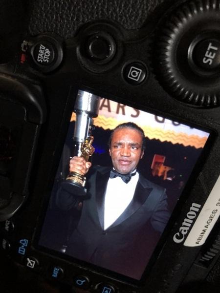 Hy hữu: Đột nhập vào tiệc Oscar trộm tượng vàng nữ chính vừa được trao - Ảnh 2