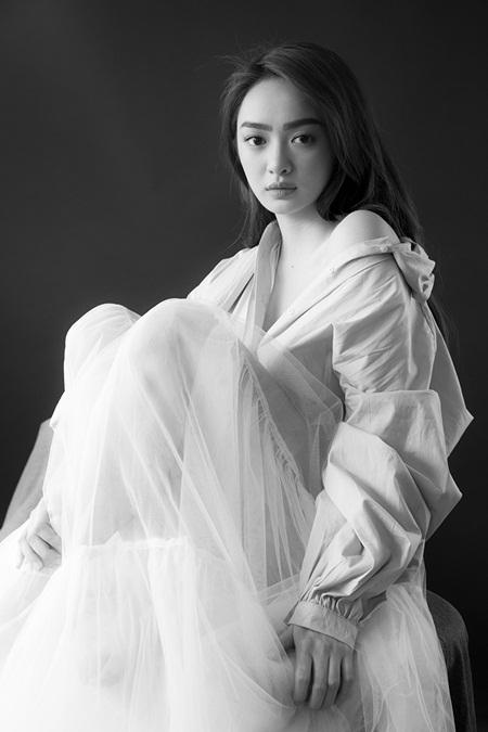 """Mỹ nhân """"Em chưa 18"""" Kaity Nguyễn xinh đẹp gợi cảm mừng tuổi mới - Ảnh 7"""