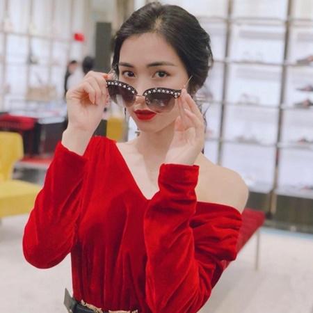 """Hòa Minzy hé lộ góc khuất sau hình ảnh người nghệ sĩ """"lầy lội"""" - Ảnh 1"""