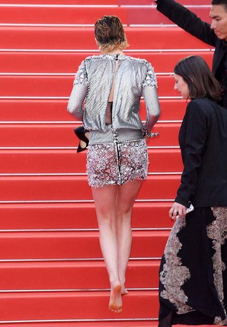 Chẳng cần váy áo lộng lẫy, Kristen Stewart vẫn là tâm điểm thảm đỏ Cannes vì điều này! - Ảnh 6