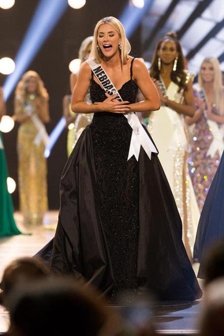 Tân Hoa hậu Mỹ cao 1m65 bật khóc khi giành vương miện - Ảnh 1