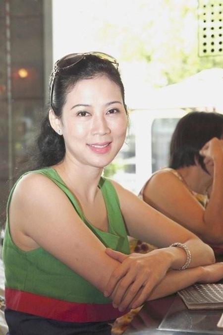 Vì sao Diễm Hương - người đẹp thập niên 90 biến mất khỏi showbiz Việt? - Ảnh 3