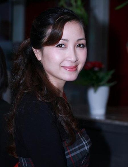 Sau đổ vỡ hôn nhân, diễn viên Khánh Huyền lần đầu trải lòng về hạnh phúc - Ảnh 1