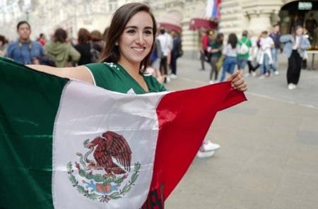 """Fan nữ Mexico """"hâm nóng"""" chiến thắng tại World Cup 2018 bằng những đường cong hút mắt - Ảnh 8"""