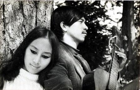 Cặp đôi âm nhạc Lê Uyên - Phương: Mối tình định mệnh, mãi gắn kết ngay cả khi âm dương cách biệt - Ảnh 1