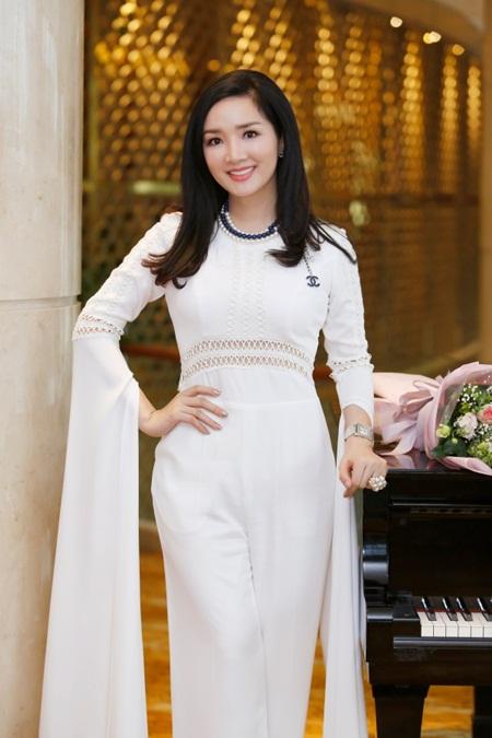 Nhan sắc không tuổi và cuộc sống giàu sang của Hoa hậu đền Hùng Giáng My - Ảnh 7