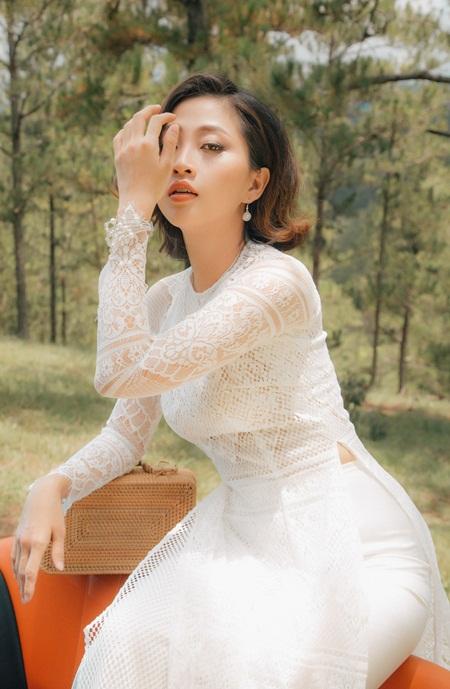"""NSND Bạch Tuyết, MC Trác Thuý Miêu, Liêu Hà Trinh làm """"nàng thơ"""" áo dài - Ảnh 6"""