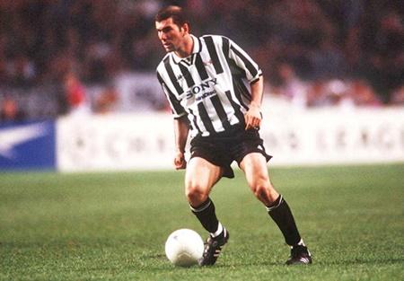 """Zidane sắp ký hợp đồng với Juventus, tái ngộ với """"trò cưng"""" Ronaldo - Ảnh 2"""