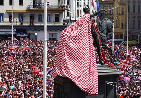Thua trận, ĐT Croatia vẫn được chào đón như người hùng tại quê nhà - Ảnh 8