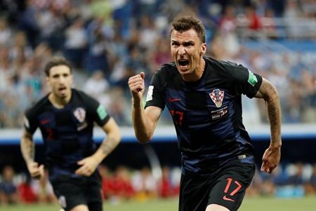 Croatia đi tiếp kịch tính, Modric suýt thành tội đồ - Ảnh 2