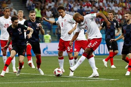 Croatia đi tiếp kịch tính, Modric suýt thành tội đồ - Ảnh 1