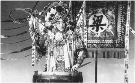 """Lưu Diệc Phi có vượt qua """"cái bóng"""" của những nàng Mộc Lan ấn tượng nhất màn ảnh Hoa ngữ? - Ảnh 1"""