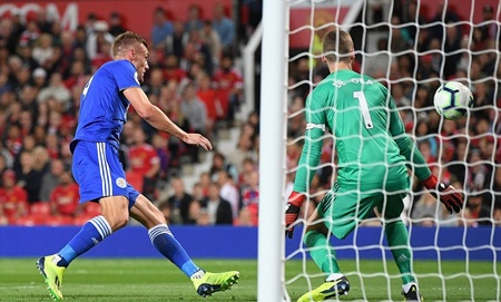 Pogba tỏa sáng, Man Utd thắng Leicester 2-1 trong ngày khai mạc Ngoại hạng Anh - Ảnh 2