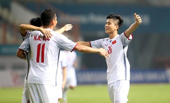 HLV Park Hang Seo phấn khởi vì Olympic Việt Nam đoạt vé vào vòng 1/8 ASIAD - Ảnh 1