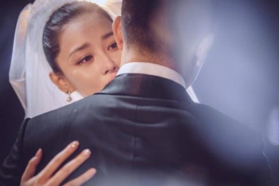 Trương Hinh Dư hé lộ ảnh cưới đẹp như phim ngôn tình với chồng quân nhân - Ảnh 12