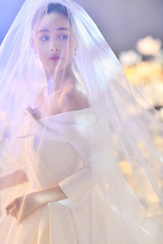 Trương Hinh Dư hé lộ ảnh cưới đẹp như phim ngôn tình với chồng quân nhân - Ảnh 6