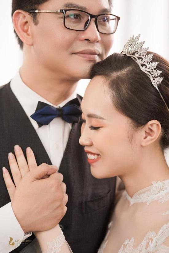 NSND Trung Hiếu hé lộ ảnh cưới ngọt ngào với cô dâu kém 19 tuổi - Ảnh 7