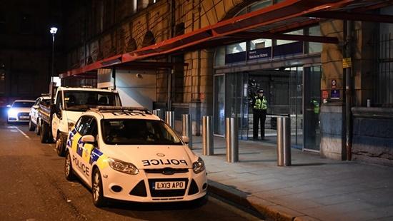 Hé lộ đầu tiên về nghi can khủng bố trong đêm giao thừa tại Anh - Ảnh 1