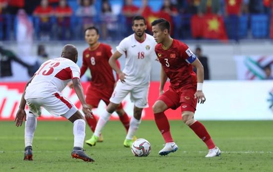"""Việt Nam vào tứ kết Asian Cup, truyền thông châu Á """"không thể tin nổi"""" - Ảnh 1"""
