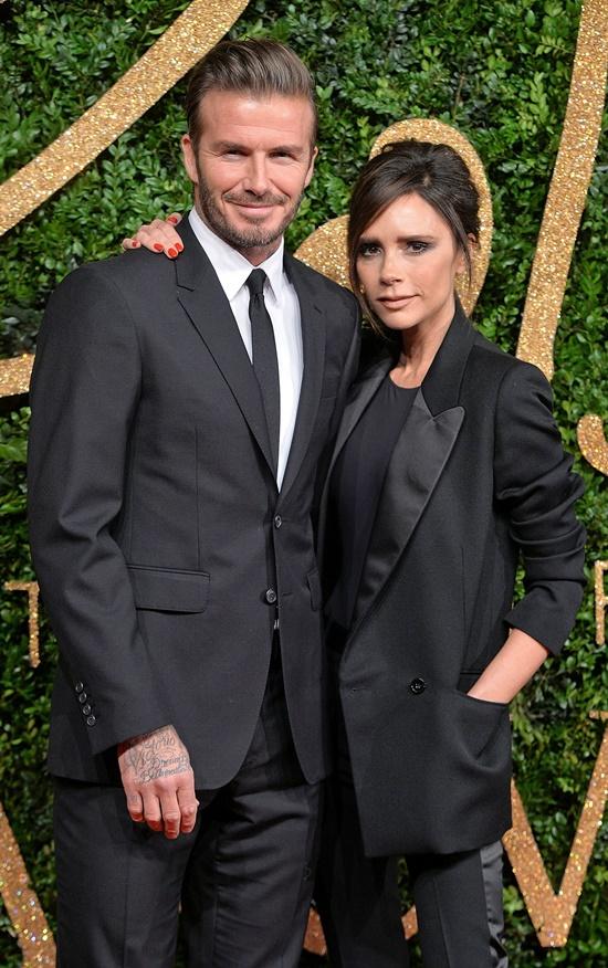 Victoria Beckham giao nhân viên xử lý tin đồn ly hôn: Tôi rất bực bội - Ảnh 1