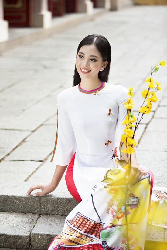 Yểu điệu với áo dài, Tiểu Vy đẹp rạng ngời mang sắc xuân ngập tràn không gian - Ảnh 5