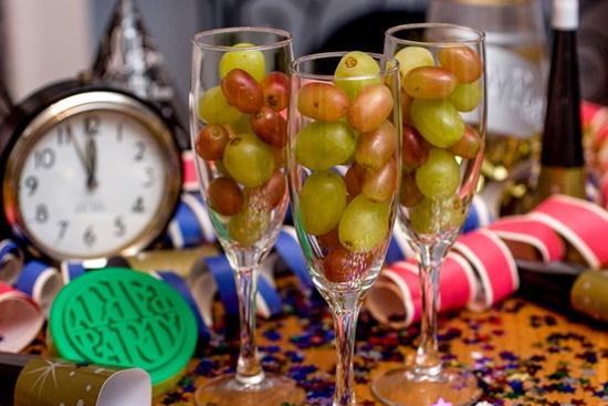 Những phong tục chào năm mới độc đáo trên thế giới - Ảnh 3