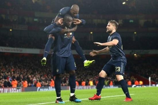 """""""Vùi dập"""" Arsenal 3-1 ngay tại Emirates, M.U vào vòng 1/8 cúp FA - Ảnh 1"""