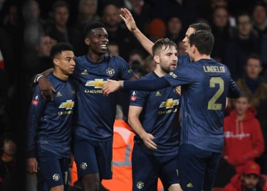 """""""Vùi dập"""" Arsenal 3-1 ngay tại Emirates, M.U vào vòng 1/8 cúp FA - Ảnh 2"""