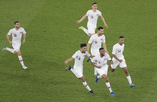VAR phủ nhận bàn thắng, Hàn Quốc bất ngờ bị loại ở tứ kết Asian Cup 2019 - Ảnh 2
