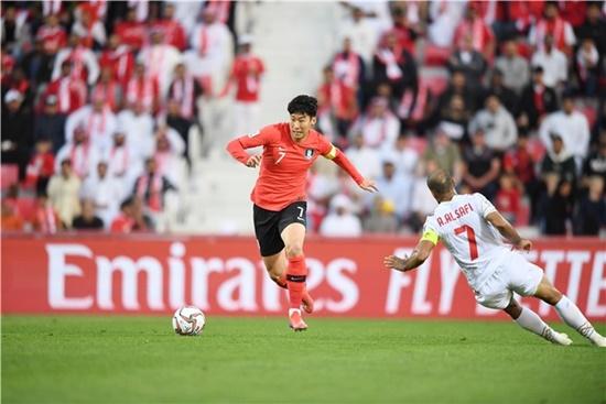 VAR phủ nhận bàn thắng, Hàn Quốc bất ngờ bị loại ở tứ kết Asian Cup 2019 - Ảnh 1