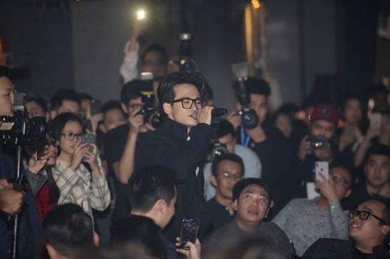Hà Anh Tuấn: Chàng trai kể chuyện bằng âm nhạc - Ảnh 2