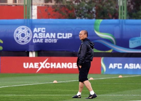 Asian Cup 2019: Cận cảnh buổi tập đầu tiên của tuyển Việt Nam tại UAE - Ảnh 8