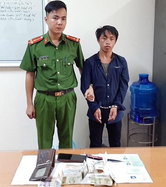 Lào Cai: Nhiều giờ vây bắt nghi phạm cuồng sát vợ do mâu thuẫn - Ảnh 1
