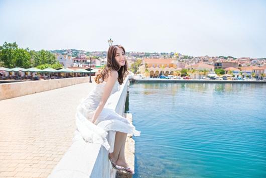 Địch Lệ Nhiệt Ba leo thẳng lên top tìm kiếm xứ Trung vì quá xinh đẹp khi diện váy cưới - Ảnh 4