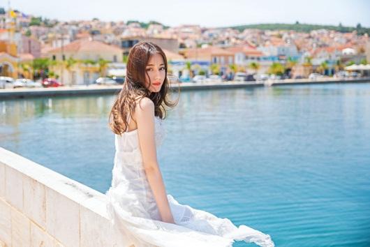 Địch Lệ Nhiệt Ba leo thẳng lên top tìm kiếm xứ Trung vì quá xinh đẹp khi diện váy cưới - Ảnh 7