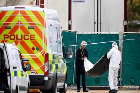 Đại sứ quán Việt Nam tại Anh vào cuộc vụ phát hiện 39 thi thể trong container - Ảnh 1
