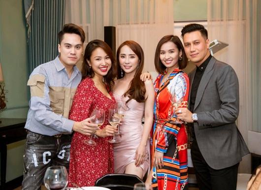 Việt Anh khoe dịp hiếm hoi tụ họp cùng hội bạn thân đình đám toàn trai xinh gái đẹp - Ảnh 3