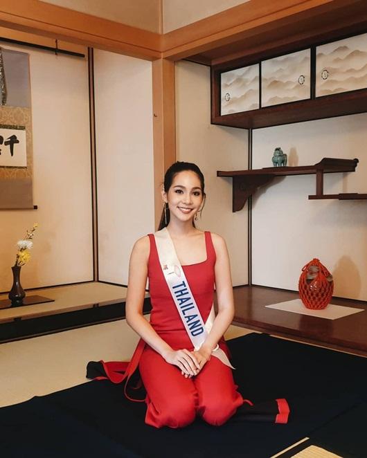 Nhan sắc ngọt ngào và đường cong mê người của tân Hoa hậu Quốc tế người Thái Lan - Ảnh 8