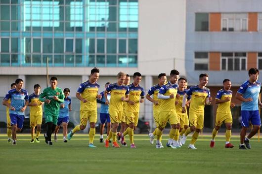 Thầy Park chốt danh sách 23 cầu thủ tuyển Việt nam đấu Thái Lan - Ảnh 1