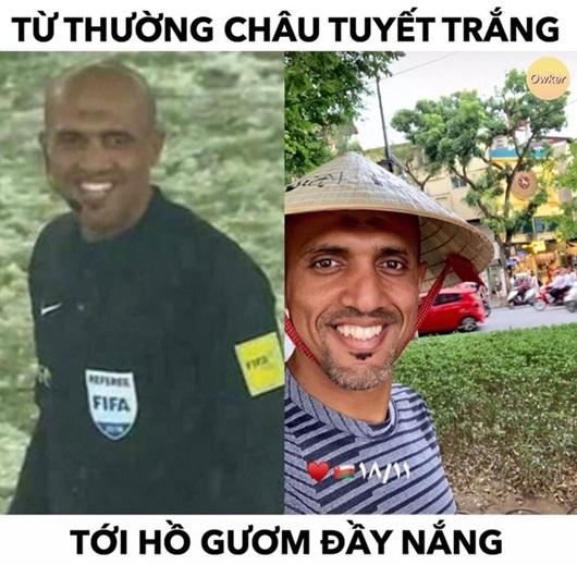 Trọng tài Ahmed Al-Kaf dạo chơi Hồ Gươm trước trận Việt Nam - Thái Lan - Ảnh 3