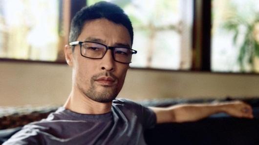 Johnny Trí Nguyễn bất ngờ lấy lại phong độ sau thời gian già nua, xuống sắc - Ảnh 2