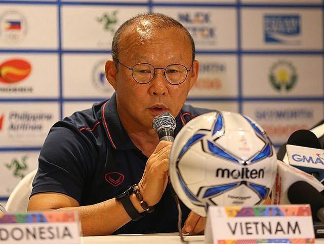 HLV Park Hang-seo nói gì trong buổi họp báo đầu tiên tại SEA Games 30? - Ảnh 1