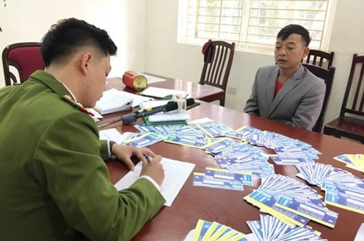 Khởi tố, bắt tạm giam 3 bị can vụ làm vé giả trận Việt Nam - Thái Lan - Ảnh 1