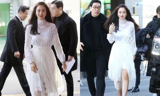Nhan sắc nữ thần của Kim Tae Hee trong lần đầu xuất hiện sau khi sinh con thứ 2 - Ảnh 1