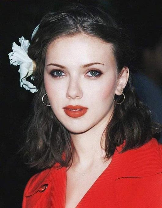 """Ảnh thời trẻ đẹp như tiên nữ của """"biểu tượng gợi cảm"""" Scarlett Johansson - Ảnh 3"""
