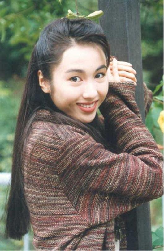 """Tuổi xuân rạng rỡ của """"đệ nhất mỹ nhân TVB"""" Lê Tư - Ảnh 10"""