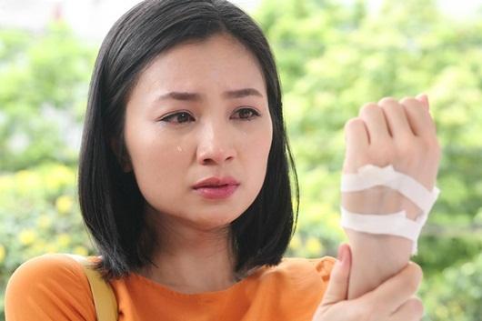 """Diệu Hương """"Hoa hồng trên ngực trái"""" khẳng định không bỏ diễn xuất, là fan cứng của bóng đá Việt Nam - Ảnh 2"""