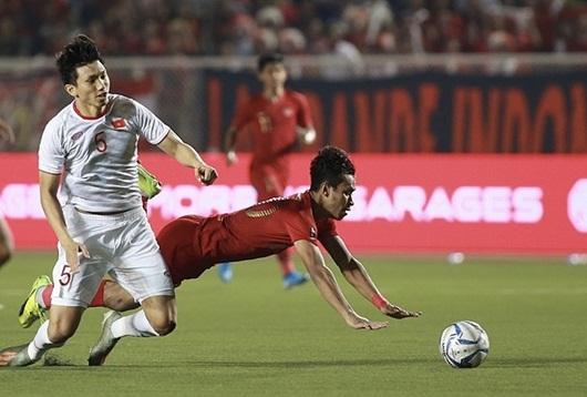 Cầu thủ Indonesia chấp nhận lời xin lỗi và cái ôm chân thành của Văn Hậu - Ảnh 1
